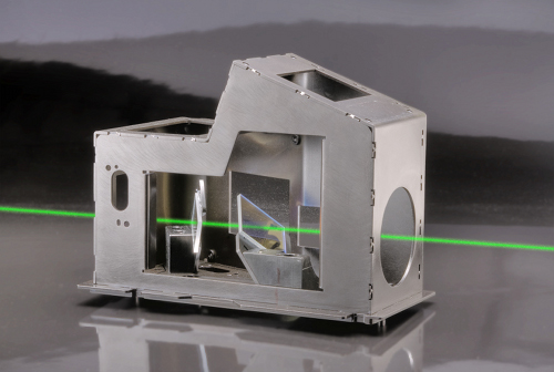 kodak-prism-with-simulated-laser-beam-sm